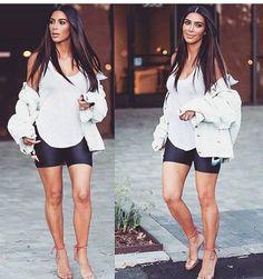 Imbuída do espírito olímpico @kimkardashian é vista ontem em LA com bermudinha ciclista. Medalha de ouro ou de lata?! rsrs  #somostodosolimpicos #kimkardashian #rio2016