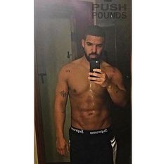 Oh My God Drake Has Literally Never Been Hotter In His Whole Damn Life
