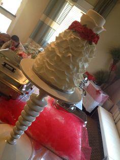 Cake Artist Reva : Sugar flowers, Swiss dot and Stenciling on Pinterest