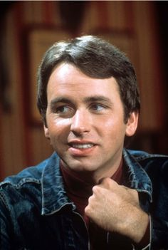 "Three's Company John Ritter as ""Jack Tripper"" Hollywood Actor, Golden Age Of Hollywood, Hollywood Celebrities, John Ritter, Famous Men, Famous People, Three's Company, Comedy Tv, Lonely Heart"