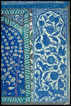 TitleSunnet Odasi, Topkapi Sarayi Muzesi  CategoryTurkish Tile  DetailFacade panel E  LocationTurkey -- Istanbul  DynastyOttoman family  Subject, LCSHArt, Islamic -- Turkey  Tiles -- Turkey -- 16th century  Rooms  Circumcision  Facades  Subject, AATFacades  Panels (ornament areas)  Revetments  Ceramic tile  Floral patterns  Date1555  SiteTopkapi Sarayi Muzesi  Digital CollectionWalter B. Denny Islamic Art Slide Collection