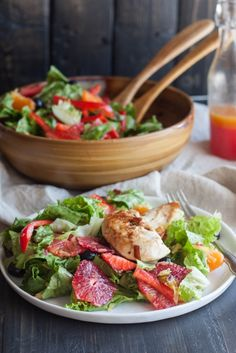 Rainbow-salad-with-chicken