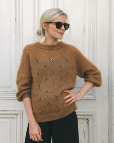 Ravelry: Fortune Sweater pattern by PetiteKnit Sweater Knitting Patterns, Knit Patterns, Raglan Pullover, Holiday Sweater, Work Tops, Stockinette, Ravelry, Knitwear, Textiles