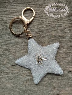 Keychain beading Beading, Jewelry Making, Personalized Items, Handmade, Beads, Hand Made, Jewellery Making, Pearls, Make Jewelry