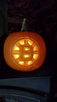 (Photo by: Twitter fan @ThatBruinsFan) #HockeyHalloween