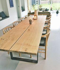 spisebord efter mål træ planker Dinner Tables Furniture, Diy Dining Room Table, Wood Table, Dining Set, Kitchen Dining, Nordic Living Room, Home Living Room, Dinner Room, Contemporary Kitchen Design