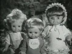 """Gracias a esta imagen podemos observar las diferencias entre los muñecos actuales y otros más antiguos. También, la calidad de la foto nos permite realizar comparaciones entre """"antes"""" y """"ahora"""". Todo ello tendrá el objetivo de desarrollar nociones temporales en el alumnado."""