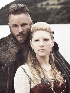 Travis Fimmel as Ragnar Lothbrok and Katheryn Winnick as Lagertha