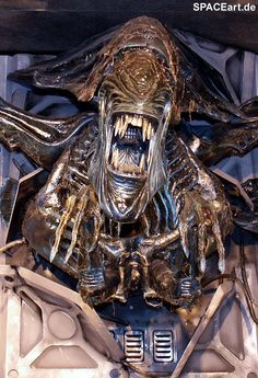 Alien 2: Giant Queen Wallbreak, Fertig-Modell ... http://spaceart.de/produkte/al116.php