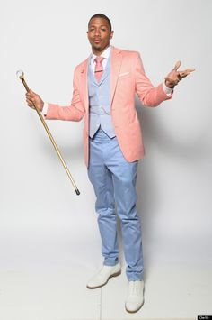 Is it just us, or does Nick Cannon's suit make him look like the rabbit from Alice In Wonderland (or just an Easter bunny in general)? Quirky Fashion, Star Fashion, Mens Fashion, Pastel Fashion, Sharp Dressed Man, Well Dressed, Nick Cannon, Pastel Outfit, Dapper Gentleman