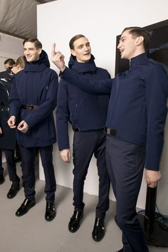 Ian Sharp, Matthew Bell, Yannick Abrath backstage at Dior Homme Matthew Bell, Fashion Wear, Mens Fashion, Street Style Looks, All About Fashion, Male Models, Front Row, Backstage, Beautiful Men
