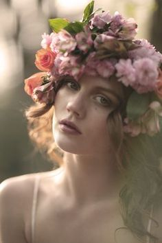 Why not wear a crown of flowers in your hair? #TopshopPromQueen2014