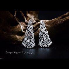 It's like a finest lace. Diamonds earrings and white gold 14 K Beautiful ! Pakistani Jewelry, Bollywood Jewelry, Indian Wedding Jewelry, Real Diamond Earrings, Diamond Jewelry, Diamond Necklaces, Diamond Stud, Rhinestone Earrings, New Fashion Earrings