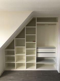 Attic Master Bedroom, Attic Bedroom Designs, Attic Bedrooms, Bedroom Wardrobe, Closet Bedroom, Staircase Storage, Loft Storage, Bedroom Storage, Room Interior