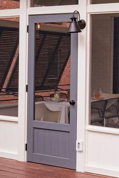 porches cozy home 01 Cozy Farmhouse Screened In Porch Design Ideas Screened Porch Doors, Screened Porch Designs, Patio Doors, Entry Doors, Front Porch, Barn Doors, Small Screened Porch, Screened Gazebo, Deck Pergola