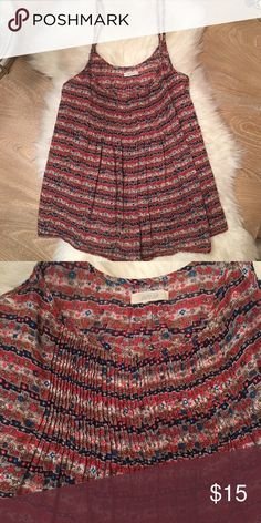 """Aerie pleated aztec floral linen top Aerie cami with pleated front detail and pleated back details. Adjustable straps. Length:22"""" Aztec floral printed linen. Size S/M aerie Tops"""
