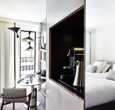 Bedroom Bliss. Hotel Molitor Paris Chambre Deluxe double.