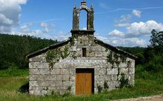 Los ladrones se llevan la campana y las ventanas de una iglesia negreiresa