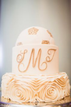 Periwinkle Cakes: Ivory and Gold