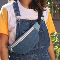 Fanny Pack Pattern, Sewing Crafts, Sewing Projects, Look Fashion, Mens Fashion, Moda Casual, Cute Bags, Handmade Clothes, Clutch Bag