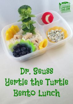 Dr. Seuss Yertle the Turtle bento lunch. #DrSeuss #yertletheturtle #easylunchboxes #bento