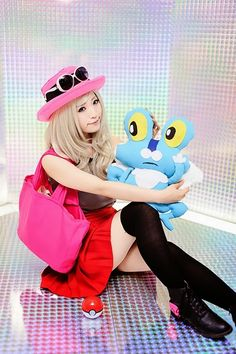 picture credit As the female protagonist of Pokemon X and Y, Serena is becoming a well-liked and popular cosplay idea for girls to. Cute Cosplay, Cosplay Outfits, Best Cosplay, Cosplay Girls, Cosplay Costumes, Pokemon Costumes, Pokemon Cosplay, Pokemon Images, Pokemon Pictures