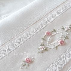 Hand Embroidery Videos, Hand Embroidery Flowers, Hand Embroidery Tutorial, Baby Embroidery, Flower Embroidery Designs, Hand Embroidery Stitches, Embroidery Fashion, Silk Ribbon Embroidery, Floral Embroidery