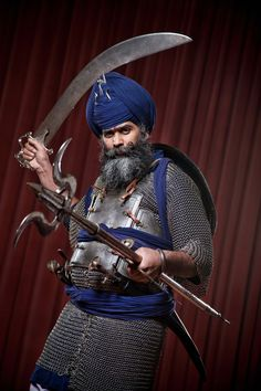 The Last of the Sikh Warriors (Nidar Singh Nihang has since been exposed as a fraud and excommunicated) Ancient History, Art History, Warrior Fashion, Armor Clothing, Oriental, Arm Armor, Medieval Armor, Military Art, Character Design Inspiration