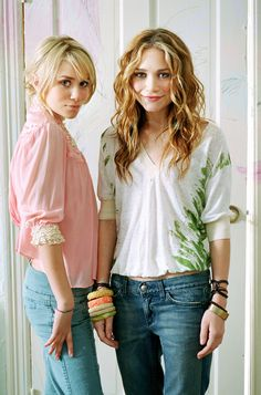 Your number one resource for everything Mary-Kate and Ashley Olsen: Click image to close this window Mary Kate Ashley, Mary Kate Olsen, Elizabeth Olsen, Ashley Olsen, Michelle Tanner, Olsen Twins Style, Olsen Sister, Celebrity Style, Celebrity Twins