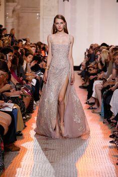 New bridal dresses couture elie saab 43 Ideas Elie Saab Couture, Haute Couture Gowns, Style Couture, Couture Dresses, Couture Fashion, Bridal Dresses, Runway Fashion, Fashion Dresses, Prom Dresses