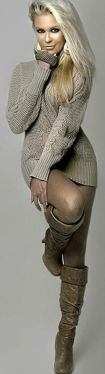 beautiful complementary platinum/grey/brown tones of both clothing and model