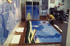 British artist David Hockney at work on the 'Paper Pools' series. via Printeresting David Hockney, Artist Art, Artist At Work, Atelier Creation, Pop Art Movement, Robert Rauschenberg, Edward Hopper, Famous Artists, Art Studios