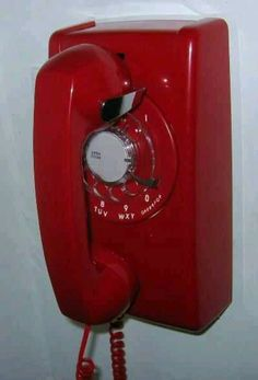 Love old phones ! (had one like this as a kid.)