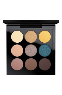 4ecf12a36fc Creating a variety of cool and trendy looks with this pocket-sized  eyeshadow palette by