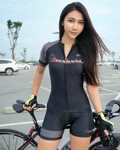 There is nothing quite so beautiful as a women with a bike. Sexy Asian Girls, Beautiful Asian Girls, Hot Girls, Radler, Female Cyclist, Cycling Girls, Cycle Chic, Bicycle Girl, Bikini Workout