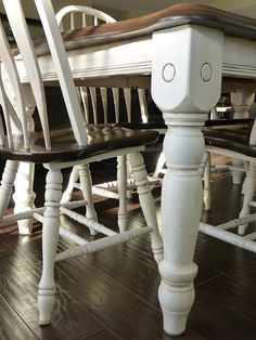 d i y d e s i g n: Antique Ivory Have this table and chairs already!