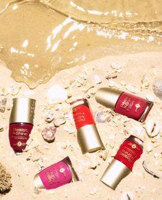 018 A Still Life Product Photographer Pedersen cosmetic beauty makeup nail varnish polish drip pour spill gloss beach water summer liquid