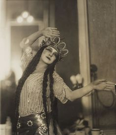 Tamara Karsavina March 1885 – 26 May was a Russian prima ballerina, renowned for her beauty, who was a principal artist of the Imperial Russian Ballet and later of the Ballets Russes of Serge Diaghilev. Vintage Dance, Vintage Ballet, Theatre Costumes, Ballet Costumes, Dance Art, Ballet Dance, Art Nouveau, Anna Pavlova, Ballet Companies