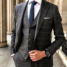 kläder mm mens suits, mens fashion suits и fashio Gentleman Mode, Gentleman Style, Best Suits For Men, Cool Suits, Mens Fashion Suits, Mens Suits, Grey Suits, Suit Men, Outfits