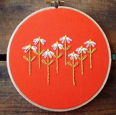 Daisy embroidery hoop by itsonlyyou on Etsy