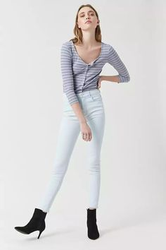 Product Name:Mid-Rise Skinny Jeans, Category:bottom_jeans, Price:17.9