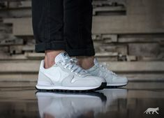 Nike // Nike Internationalist (Summit White / White - Off White)