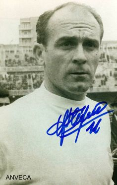 DI STEFANO (R. Madrid - 1959) First Football, Football Love, Football Design, School Football, Real Madrid Team, Historical Images, Best Player, Football Players, Athlete