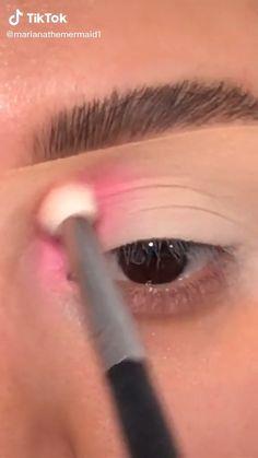 Soft Eye Makeup, Makeup Eye Looks, Colorful Eye Makeup, Simple Eye Makeup, Eyeshadow Makeup, Rhinestone Makeup, Eye Makeup Pictures, Rave Makeup, Eye Makeup Designs