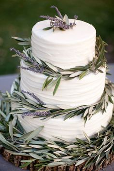 Lavender Wedding Cake  Perhaps a lemon/lavender sponge beneath the beautiful frosting?