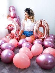 21st Birthday Party Ideas For Girls, 26th Birthday, 40th Birthday Parties, Girl Birthday, Cute Birthday Pictures, Birthday Photos, Birthday Balloon Decorations, Birthday Photography, Photography Poses Women