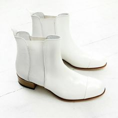 Billie boots in white  Online now • www.beaucoops.com