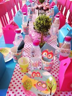 Table at a Owl Party #owl #partytable
