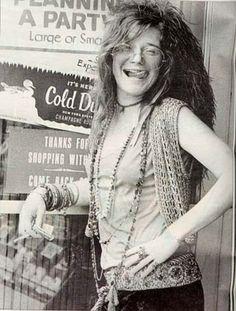 Janis Joplin fue un símbolo femenino de la contracultura y el movimiento hippie además es la primera mujer en ser considerada una gran estrella del rock