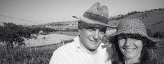 Azienda Agricola Il Gelso Moro -  Marche. Silvia e Giuseppe approdano sulle colline di Morro d'Alba, a nord ovest di Ancona, nel 2004. Entrambi toscani (lei di Montecatini , lui di Livorno) si appassionano al mondo del vino durante corsi di degustazione...